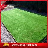 Het kunstmatige Commerciële Decoratieve Gras van het Gras van het Tapijt van het Gras van de Tuin Synthetische