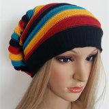Europäische populäre Wolle-Schutzkappe haben Streifenbeanie-Frauen wie gestrickte Schutzkappe/Hut