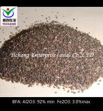Al2O3: Oxyde van het Aluminium van 92% Min Bruine voor Schurende Ontploffing