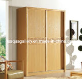 Guardaroba di legno moderno con il portello scorrevole