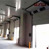 acima da porta deslizante para o armazenamento frio/quarto frio