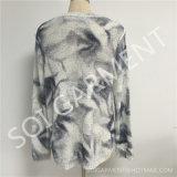 뜨개질을 한 여자의 형식은 매 염색한다 Sequins (SOI1763)를 가진 스웨터를