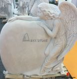 La mano di marmo bianca ha scavato il Headstone della scultura di angelo per il cimitero
