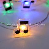 Notes de cuivre multicolores blanches chaudes de musique de quirlande électrique de chaîne de caractères formées