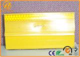 Borne r3fléchissante jaune/blanche de trottoir augmentée par unité centrale pour la route