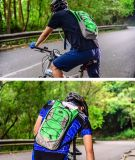 Wasser-Beutel-Rucksack enthält Wasser-Blase für das Wandern des radfahrenden im Freiensports