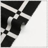 衣服のための白く及び黒い綿の編む小切手