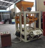 Machine de fabrication de brique concrète semi automatique, vendant bien le bloc faisant la machine