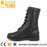 高品質の耐久の本革の黒の軍の軍隊の戦闘用ブーツ