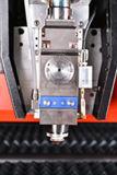 Tagliatrice Pieno-Closed del laser della fibra del prodotto metallifero con la tagliatrice della moneta