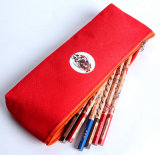 Förderung-rote Kursteilnehmer-Bleistift-Kästen