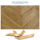 ヘリンボン堅材のフロアーリングか魚の骨のカシ木寄木細工の床またはカシの寄木細工の床のフロアーリング