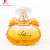 Buon profumo floreale della femmina dei profumi di bella figura della bottiglia
