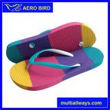 Chaussures colorées chaudes de santal de poussoir de semelle intérieure pour des dames