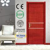 Porte en bois blanche de chambre à coucher