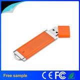 Mecanismo impulsor plástico 4GB del flash del USB del estilo del alumbrador de la insignia de encargo del precio de fábrica
