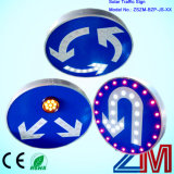 Diffierent Typen des angeschaltenen LED-Solarverkehrsschildes
