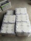 Carrelages de marbre en pierre blancs bon marché de mosaïque d'art pour la salle de bains