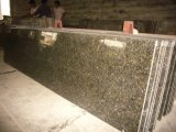 Parte superior pré-fabricada da vaidade da bancada do granito de Ubatuba