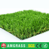 Grama verde e grama artificial do relvado para a decoração