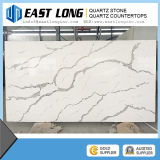 Veia de mármore artificial com as lajes da pedra de quartzo de Calacatta