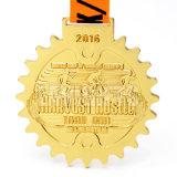個人化された刻まれた顧客用金は印刷のステッカーの挿入ロゴと金属一義的なレーザー一流ブランクメダルをめっきした