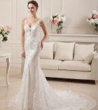 Fléau/gaine étincelant la robe de mariage latérale de train de chapelle de tirette d'Applique