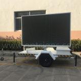 Reboque eletrônico móvel dos sinais que anuncia o indicador video ao ar livre da tela do diodo emissor de luz da cor cheia dos caminhões