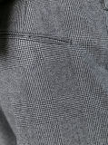 人のための灰色の小切手のウールビジネス夕食の形式的なスーツ