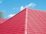 Folha vitrificada PVC colorida do telhado da extrusora profissional da equipe que faz a máquina
