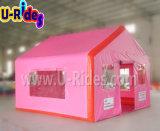 아이를 위한 분홍색 팽창식 오두막 천막