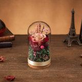 결혼식 훈장을%s 유리에 있는 보존한 꽃
