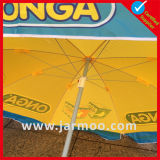 Im Freien Gardon Regenschirm oben knallen