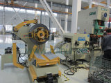 NCのサーボ送り装置を持つストレートナおよび製造工業の挿入装置のUncoilerの使用