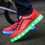 Fatto in pattini d'ardore multicolori di simulazione LED degli uomini delle donne di adulti di modo della Cina