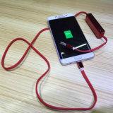La Banca mobile portatile placcante di potere del cavo di dati della carica del USB