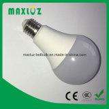 Bulbo quente 7W do diodo emissor de luz da venda SMD A19 E27 com branco