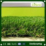 Alta calidad con la hierba artificial de mirada natural para ajardinar