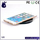 Chargeur sans fil de vente de Qi chaud en métal pour l'iPhone