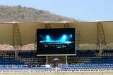 Via esterna P10 che fa pubblicità allo schermo del LED