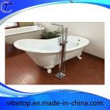 Suelo del cuarto de baño - grifo libre montado de la ducha de la bañera con la ducha de la mano