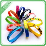 Bracelet promotionnel de silicones de cadeau de logo d'impression faite sur commande de Debossed