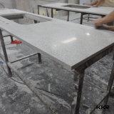 Partie supérieure du comptoir faite sur commande d'île de cuisine de quartz de taille