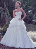 A mão do projeto de 0063 testes padrões Sewn pegara fora do vestido de casamento branco