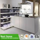 Cabinas de cocina blancas de la laca lustre con estilo del diseño del alto