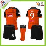 Le meilleur uniforme du football de qualité pour l'équipe de gosse avec le tissu 100%Polyester