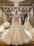 新しいMarriage到着2017のショールが付いている上の王女のウェディングドレス
