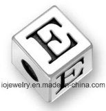 Los últimos pendientes de plata 925 de la insignia de la joyería del encanto del diseño