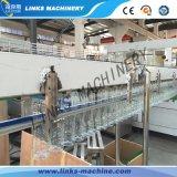 Mineral / línea de llenado de agua pura