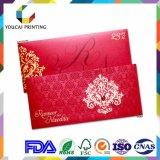 Cartões encantadores retangulares dos convites do casamento com a decoração vermelha do diamante